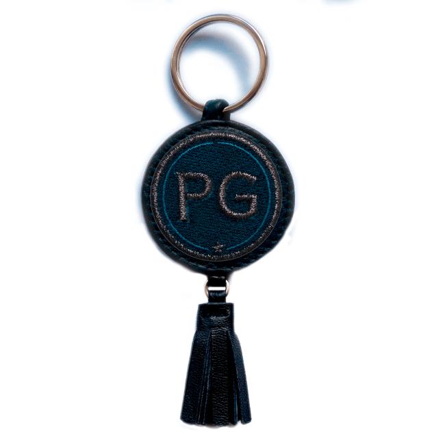 Schlüsselanhänger INITIALEN · anthrazit metallic/marine · mit Tassel · personalisierbar