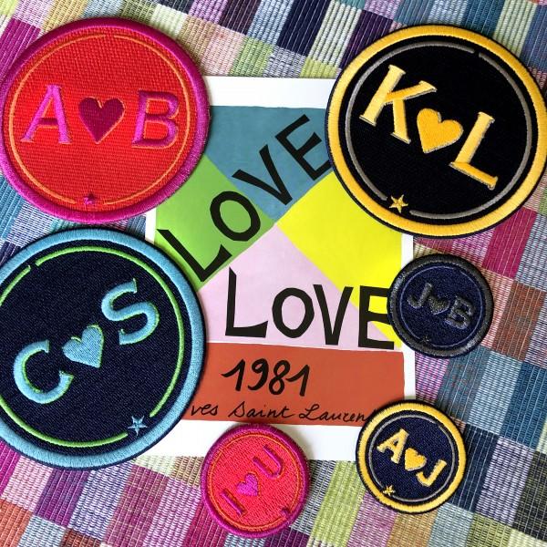 Label LOVE · 9cm · anthrazit metallic/marine · personalisierbar