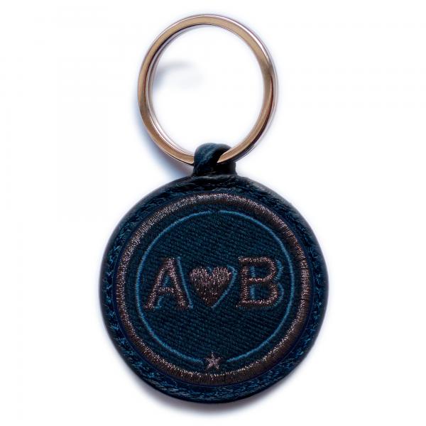Schlüsselanhänger Love · anthrazit metallic/marine · personalisierbar
