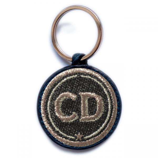 Schlüsselanhänger INITIALEN · grau/metallic · personalisierbar