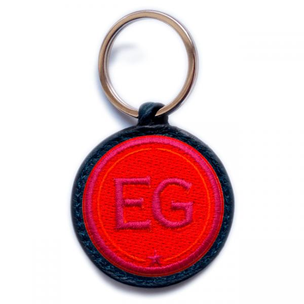 Schlüsselanhänger INITIALEN · rot/pink · personalisierbar